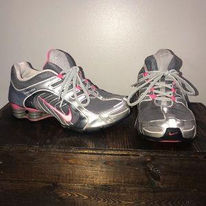 Nike Shox Women's Size 7.5
